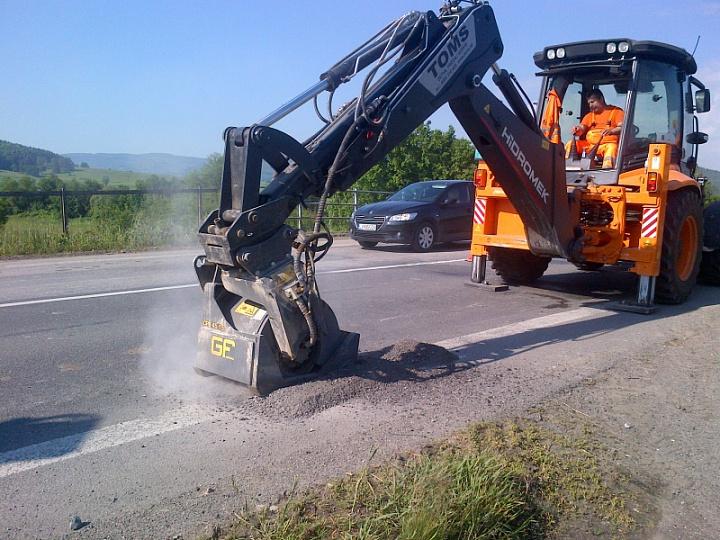 cpb_freza-na-excavator_02