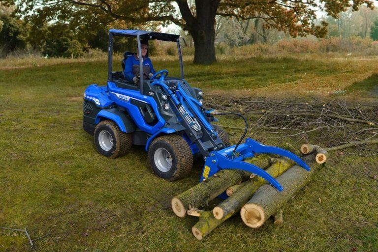 MultiOne-mini-loader-7-series-with-log-grabber1-1030x688
