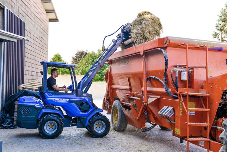 MultiOne-mini-loader-8-series-with-pallet-fork1-1030x688